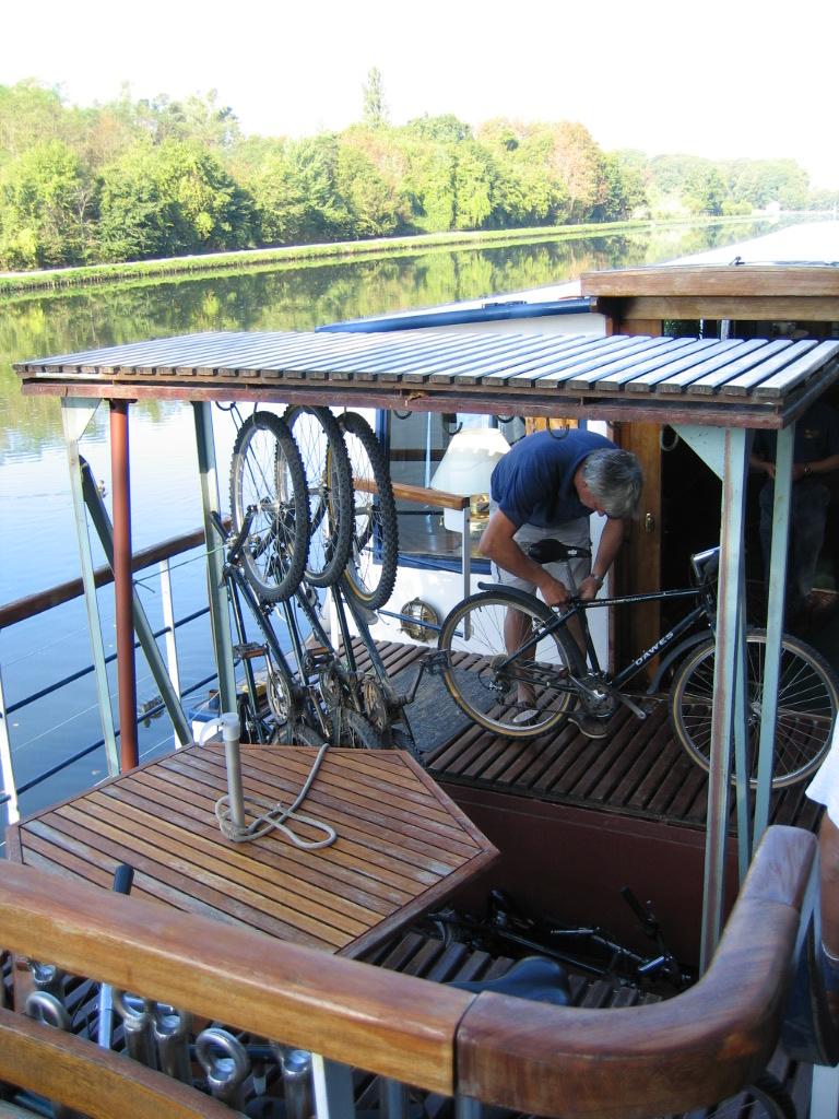 Canal du Nivernais, Burgundy, France, cruising, barge, barging, French, caves, wine, locks, bicycle, biking, adventure