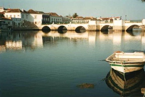 fado, Tavira, Portugal