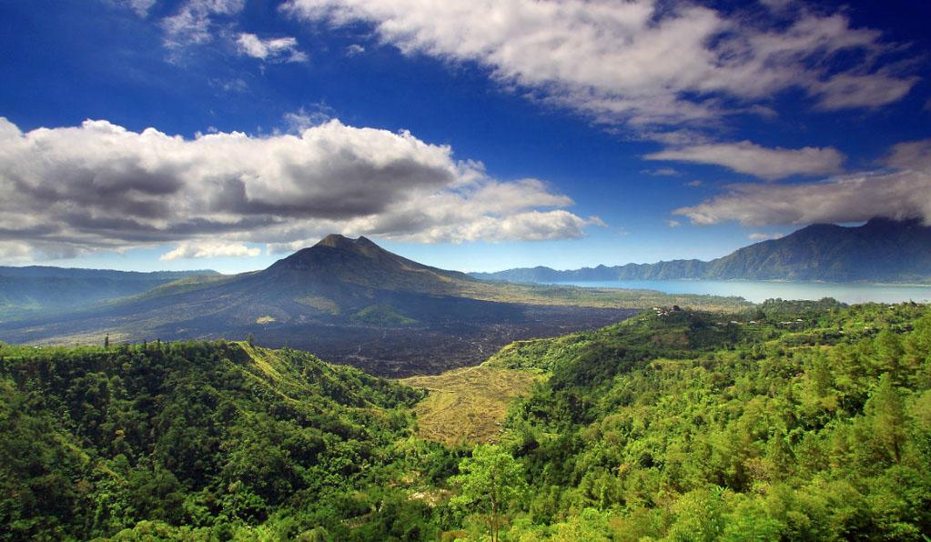 Climbing Mount Batur in Bali