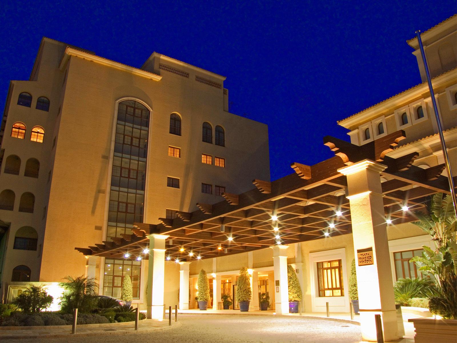 Almeria Aire Spa Hotel at Night