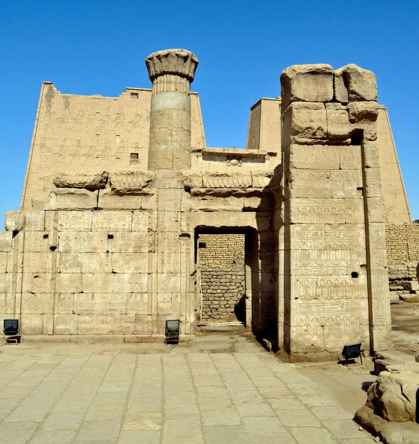 Egypt,Caro,Nile,Sphinx,pharaoh,pyramids,GizaPlateau,Travel,Sehmet,Tombs,alabaster,hieroglyphics,camels,Mena House,Marriott,Khafre,Khufu,Menkaure,spiritual,civilization