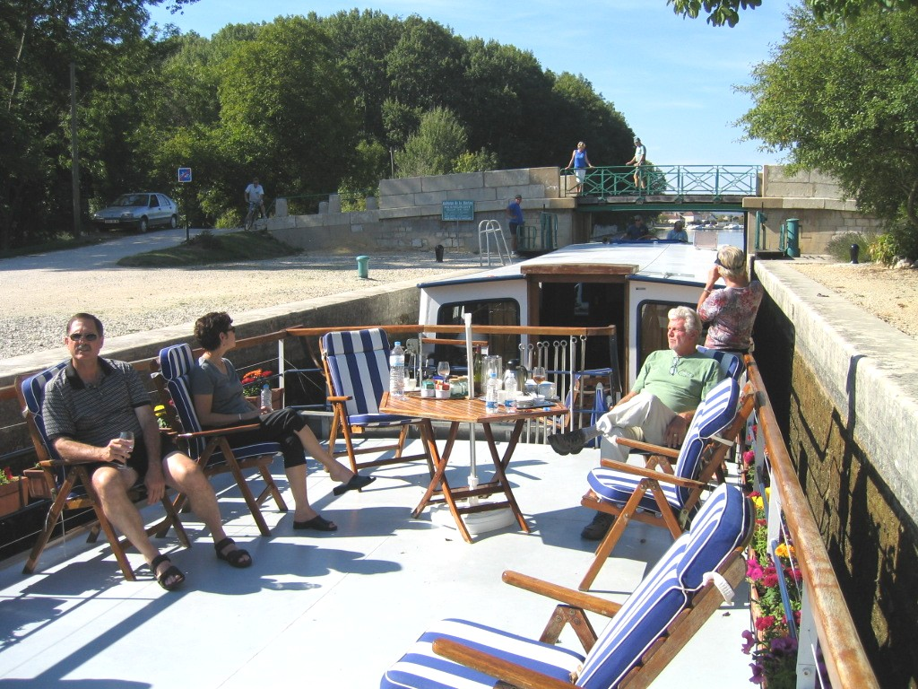 Canal du Nivernais, Burgundy, France, cruising, barge, barging, French, caves, wine, vacation, relaxing