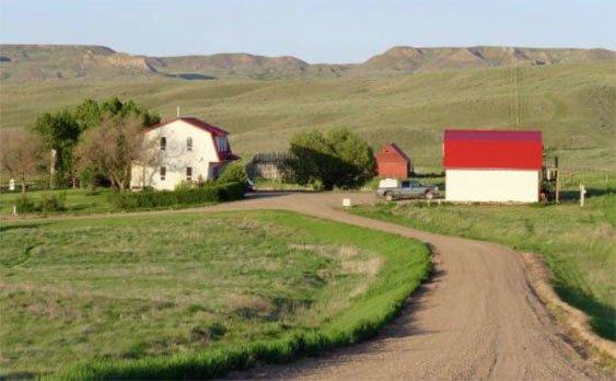 Crossing Grassland Saskatchewan Lilypon